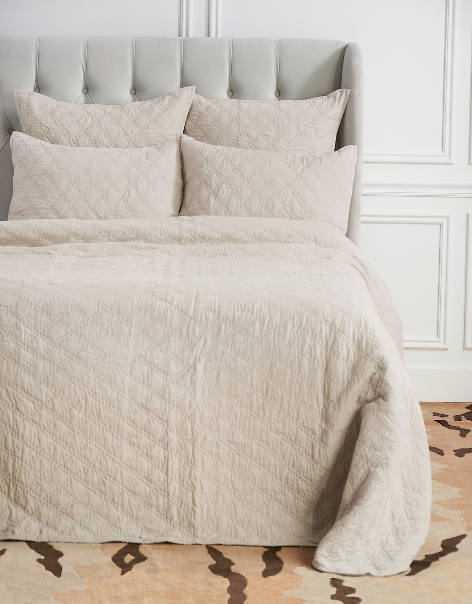 Sutton Natural Queen Quilt,ELISABETH YORK,Diamond,Chambray,Luxury,Bedding,Luxury Bedding,Quilt,Luxury Quilt